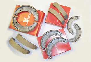 HONDA CB 250 CB250 K3 K4 K5 (73 74 75) REAR DRUM BRAKE SHOES Made in Japan