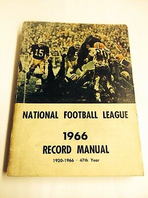 Vintage 1966 Sporting News AFL Guide. Packers- Starr Cover