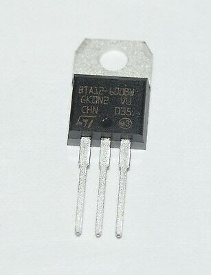 TRIAC BTA12-600BW 12A 600v ST MICROELECTRONICS - 25 Pieces