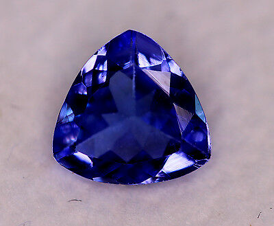 0,90 ct  Très belle Tanzanite AAA