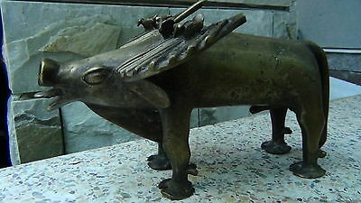 ANTIQUE 18c AFRICAN TRIBAL LARGE WILD BULL BRONZE STATUE W/BIRD SITS ON HIS HORN