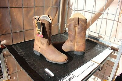 29-34  BRAND NEW Womens Ariat 6.5 B leather western type boots