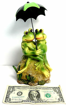 New in Box, Collectible Frogs With Umbrella, Hugging on Rocks, Adorable 6.5'' T!