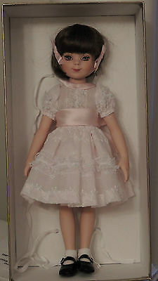 Limited Edition Porcelain Betsy McCall 142/250 by Robert Tonner MINT in box