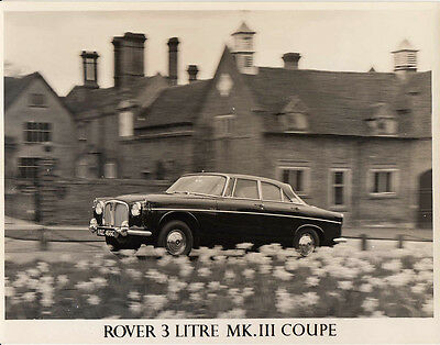 Rover 3 Litre Mk.3 Coupe (P5) Period Photograph.
