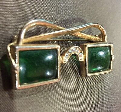 Vintage 1950s Rodox Goldtone Metal Green Glass  Pin Brooch w/ Rhinestone
