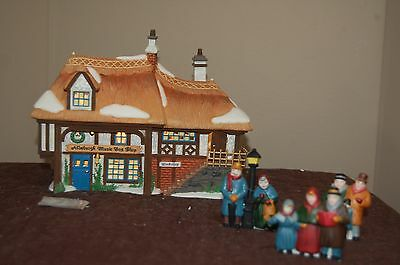 Dept 56 Dickens Village Aldeburgh Music Box Shop and Carolers Accessory