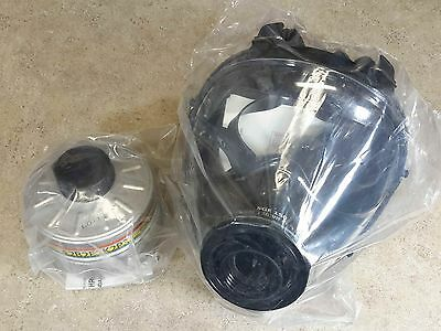 SGE 150 Gas Mask [Made in 10/2018] & INCLUDES 40mm NATO NBC Filter Exp 12/2022