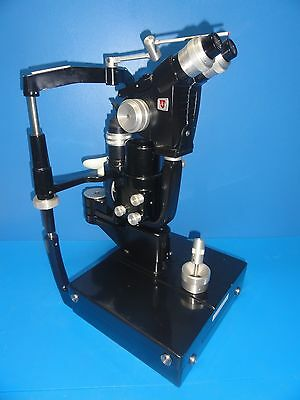 American Optical AO 11580 Slit Lamp with out Power cord (Gen Ophthalmology) 6555