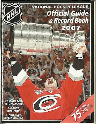 2007 Nhl Hockey Official Guide & Record Book - Rod Brind'amour Carolina On Cover