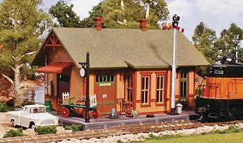 Woodland Scenics HO Pre-Fab Woodland Station Structure Kit