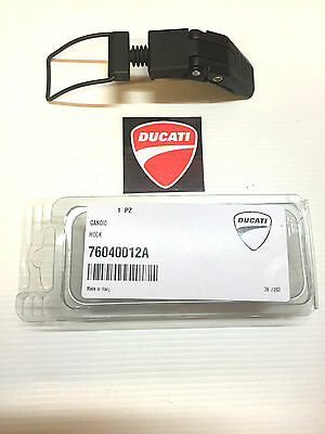 GANCIO SERBATOIO DUCATI Monster 600 750 900 '93-99 e SUPERSPORT 76040041A