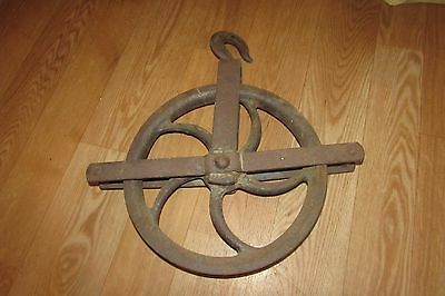 Antique Vintage Cast Iron Well Pulley #2458