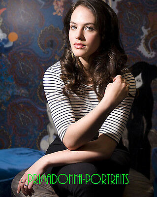 "JESSICA BROWN FINDLAY 8X10 Lab Photo ""DOWNTON ABBEY"" Actress Sweet Portrait"