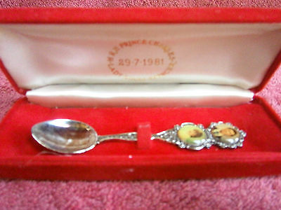 Charles  &  Diana  Souvenir  1981  Wedding  Spoon  In  Presentation  Case