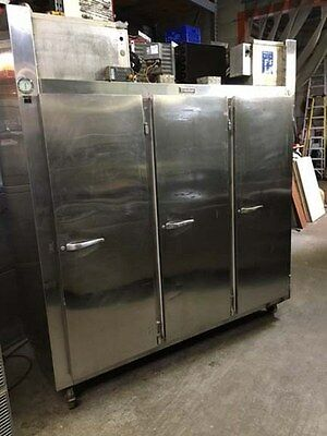 Traulsen 3 Solid Door Reach-In Refrigerator-Freezer