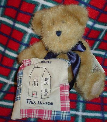 BOYDS-Plush BEAR---Peter with Pillow-God Bless our Home  #94804 (BB12)