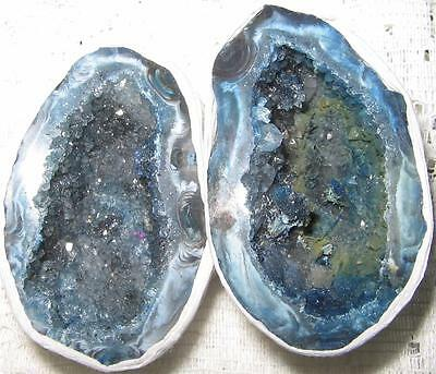 BEAUTIFUL PAIR OF AGATE Crystal *LOVE CAVES* 4.5x3cms Geodes / A1++ GRADE