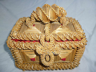 VINTAGE RUSSIAN FOLK or TRAMP ART WOVEN STRAW TRINKET BOX - very good condition