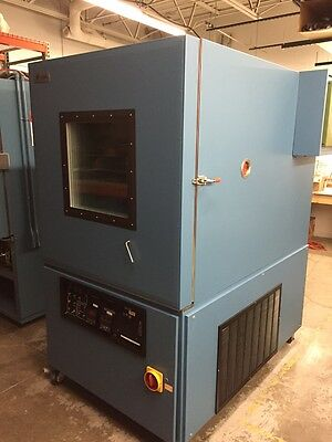 Russells Technical Products (RTP) GD-32 environmental test chamber
