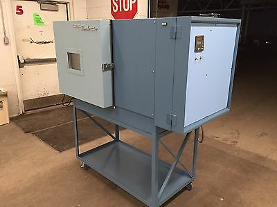 Tenney Benchmaster BTC environmental test chamber