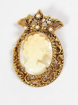 Vintage Florenza Antique Gold Tone Carved Shell Cameo Pin