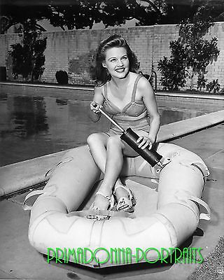 c37b275a696 GALE ROBBINS 8X10 Lab Photo 1940s Sexy Actress Poolside, Swimsuit Raft  Portrait