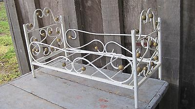 Vintage Mid Century Distressed Iron Planter Pot Holder Home & Garden Rack Stand