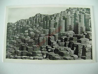 Northern Ireland B Postcard Lord Antrims Parlour Giants Causeway  050