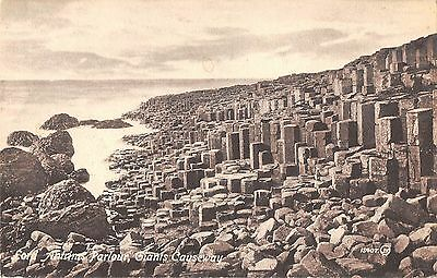Northern Ireland Postcard Giants Causeway Lord Antrims Parlour  F0 031