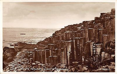 Northern Ireland Postcard Giants Causeway Lord Antrims Parlour  E0 025