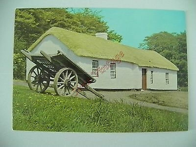 Northern Ireland B Postcard The Linen Weavers House Waringstown Co Down  035