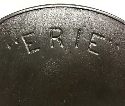 how to clean a seasoned cast iron skillet