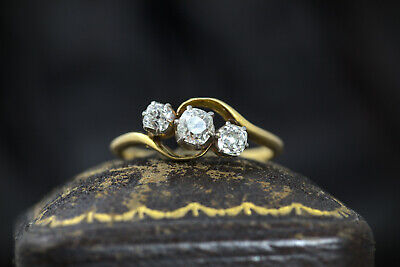 STUNNING ANTIQUE ENGLISH ART DECO 18K GOLD ½ct DIAMOND 3-STONE CROSSOVER RING