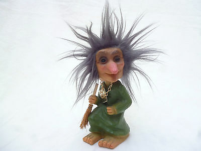 LARGE VINTAGE HEICO WITCH DOLL 18cm high - v realistic & good cond - W Germany