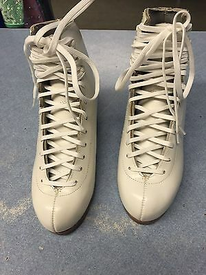 Ladies Harlick Competitor Figure Skates size 6b with scallops
