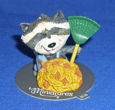 Hallmark Autumn Fall Merry Miniatures Figurine Raccoon Raking Leaves 2015 New