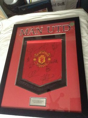 Manchester United 2006-2007 Original Hand Signed Framed Pennant 12 X Signatures