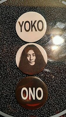 Beatles:yoko Ono Badges Buttons Pinbacks