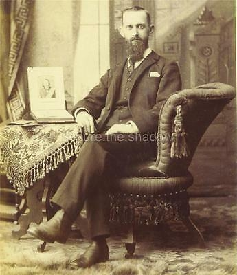 CABINET CARD PHOTO: Dour GENT w PHOTO ALBUM MOURNING Picture MASONIC REMEMBRANCE