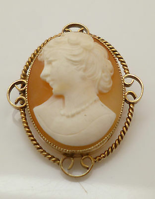 Gorgeous Vintage 9ct Yellow Gold Traditional Conch Shell Cameo Brooch Pin