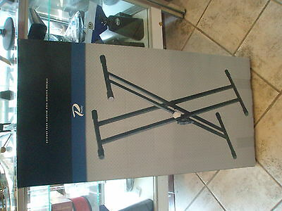 Piano keyboard adjustable X style stand Double braced Quick lock KDS400D