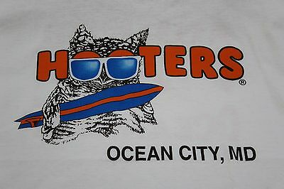 XL t shirt Hooter's Restaurant Bar Ocean City Maryland  Summer '99