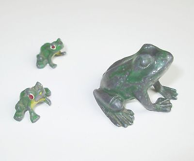 c.1900 ANTIQUE GERMAN PAINTED LEAD METAL 3 FROG FAMILY FIGURINE DOLLHOUSE TOY