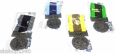 Star Wars Medal Set of 4 Toys R Us Exclusive Limited Edition Medals.