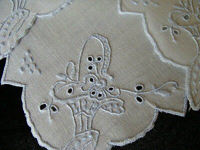 12 Vtg MADEIRA White Linen Tea Napkins Luncheon Hand Embroidered PRISTINE