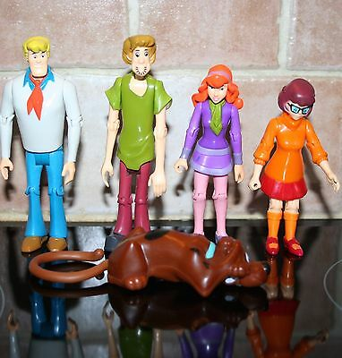 Set Of 5 Scooby Doo And The Gang Figures