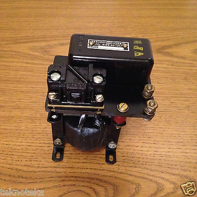 General Electric  Ic2820F100Aa10  Relay