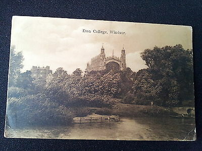 Berkshire Postcard Eton College Windsor