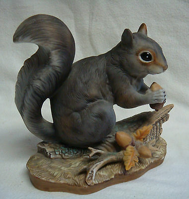 1982 STUNNING Masterpiece Porcelain SQUIRREL & ACORNS by HOMCO